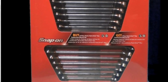 Snap-on flank drive plus combination wrench sets